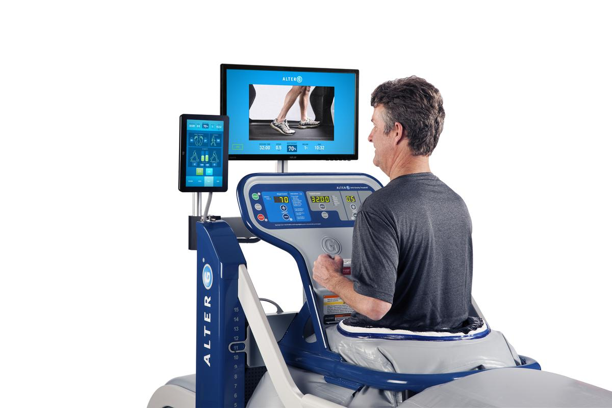 AlterG Treadmill VIA Man Screens